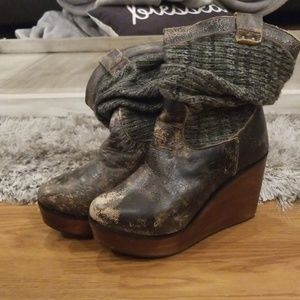 Bed Stū  Womens size 6 boots.